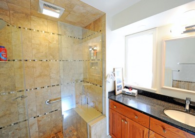 2010 His & Hers Bathrooms